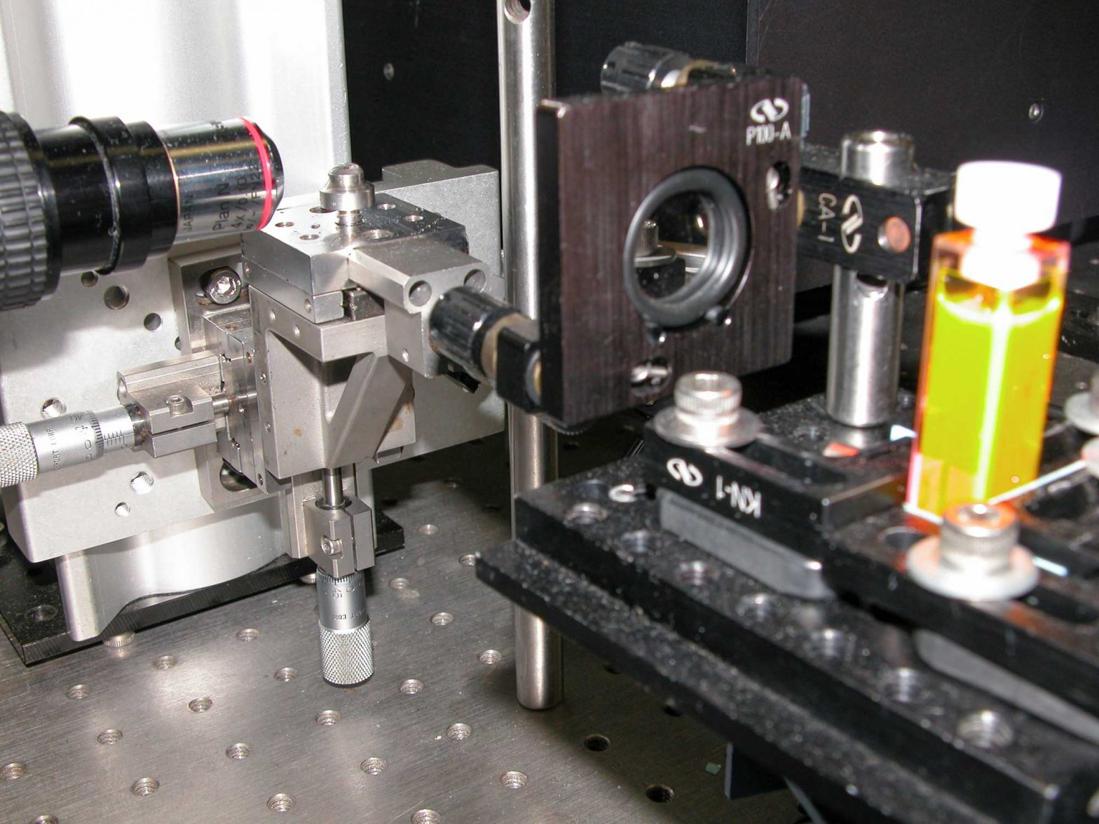 Fast photography setup (closeup) from Fan & Murray, J. Phys. Chem. A. 114 (2010) 1492
