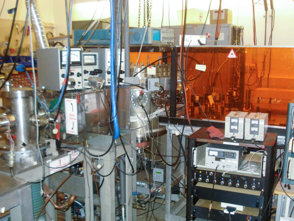 Negative ion photoelectron spectrometer in 2009